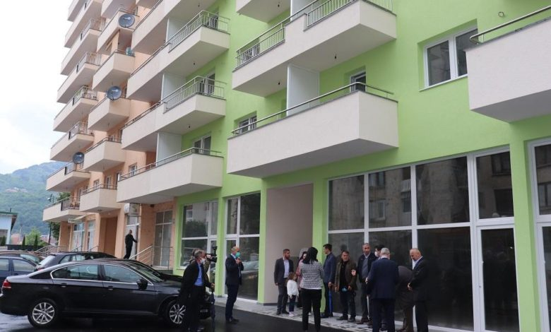 Photo of Projekat izgradnje 28 stambenih jednica i 4 poslovna prostora sufinansirala Vlada BPK Goražde u iznosu od 470.756 KM