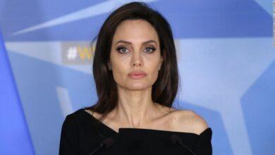 Photo of Angelina Jolie progovorila o razlozima bračnog kraha s Bradom i koroni