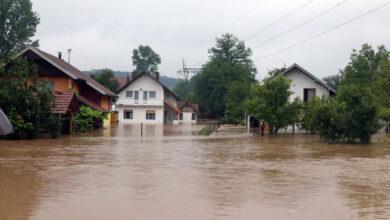Photo of Neprespavana noć za mnoge: Nabujale rijeke odnijele mostove i kuće, poplavljena zemljišta