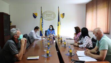 Photo of Sastanak sa predstavnicima nadležnih institucija za sprovođenje i kontrolu mjera koje donosi Federalni štab civilne zaštite