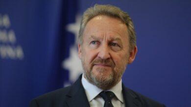 Photo of Izetbegović: Ikonu je neko prošvercao, napravljena je nezapamćena sramota