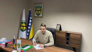 Photo of Gradonačelnik Goražda ispunjava obećanja: Prodaje automobil Gradske uprave