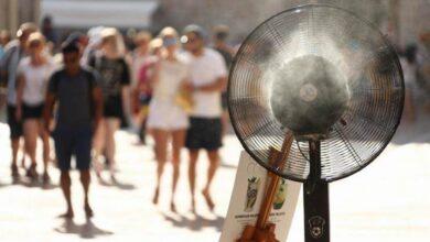 Photo of U BiH narednih dana toplotni udar, ljekari savjetuju: Ne izlazite od 10 do 17 sati, pijte dosta tečnosti