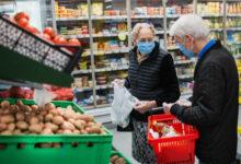 Photo of Dok se političari prepucavaju, građani gladuju: Ni uz akcijske cijene se ne može preživjeti